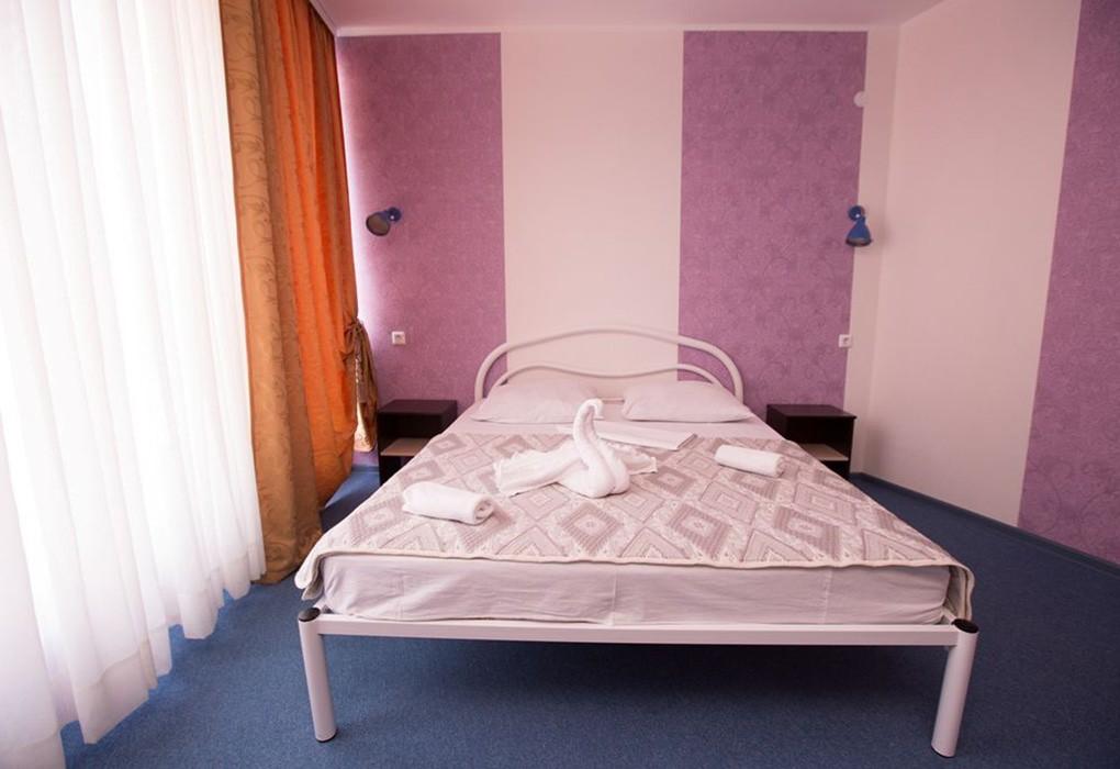 "Отель ""Парадайз"" (бывш. ""Санвиль Парадайз"")   2-местный  2-комнатный  люкс"