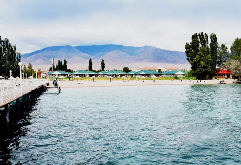 """Отель """"Royal Beach""""   Водоемы и пляж"""