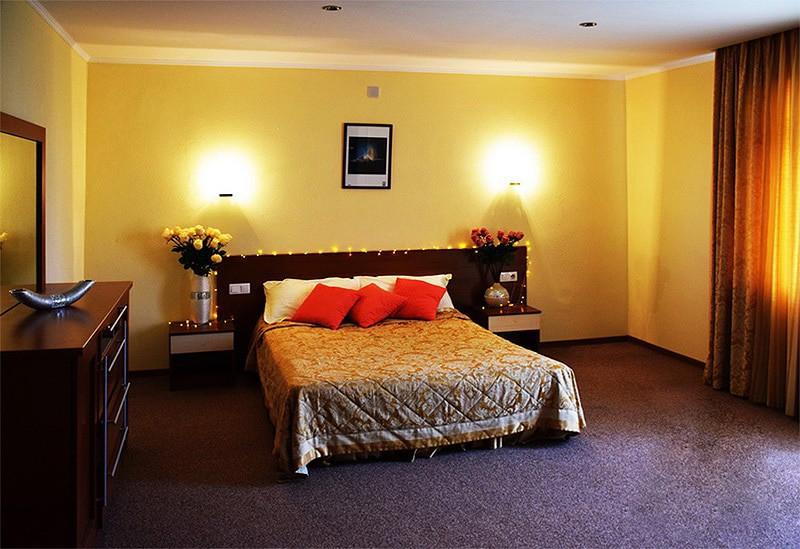 "Отель ""Royal Beach"" | 2-местный  2-комнатный  люкс"