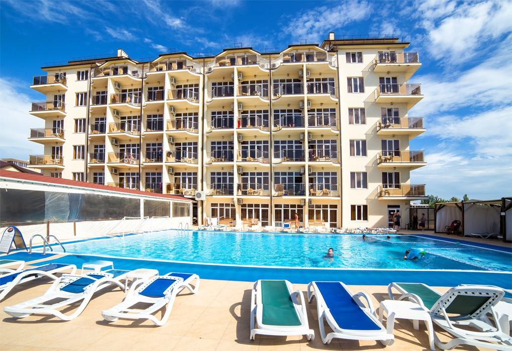 Отель в Анапе на берегу моря с бассейном все включено Ателика Гранд Меридиан
