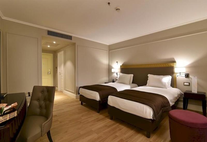"Гостиница ""Royal Tulip"" | 2-местный  1-комнатный  стандарт"