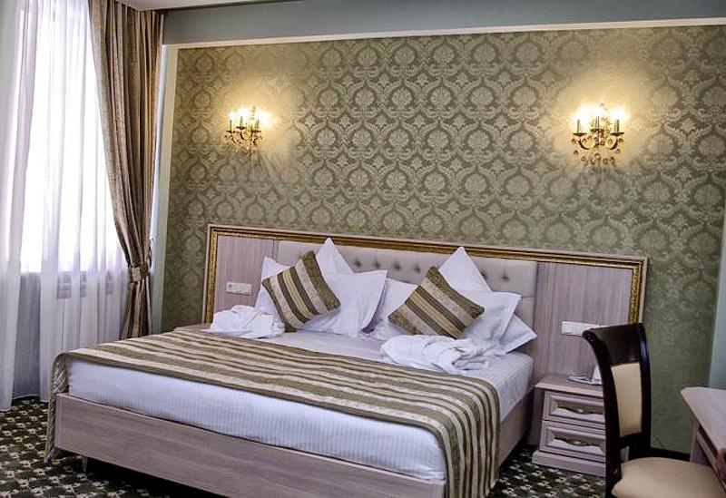 "Отель ""Multi Rest Hause"" | 2-местный  2-комнатный  deluxe"