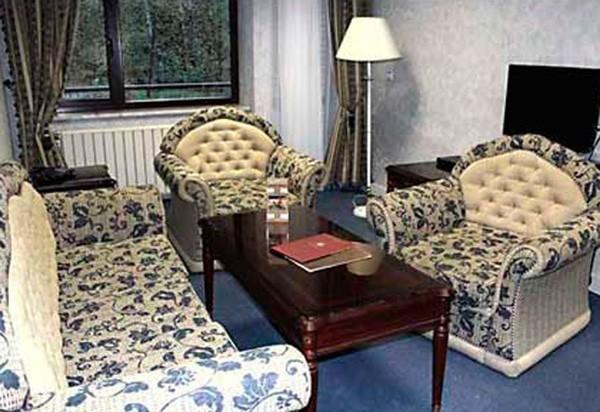 "Пансионат ""Ватутинки"" | 2-местный  2-комнатный  апартамент"