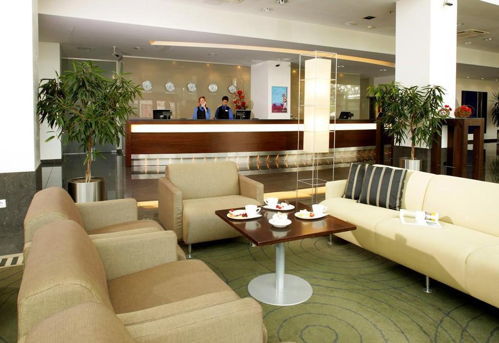"""Отель """"Radisson Blu Hotel Lietuva""""   К услугам гостей"""